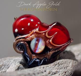 DarkAppleGoldDEHeart