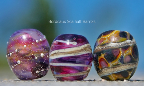 Handshaped glass barrel beads